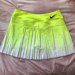 Brand new Nike tennis skirt
